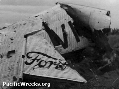 pacificwrecks ford trimotor vh uso abandoned at lae airfield